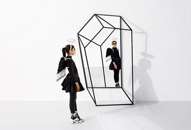 """Porte manteau """" Les ailes noires"""", John Tong - Top 10 de mobilier design surprenant"""