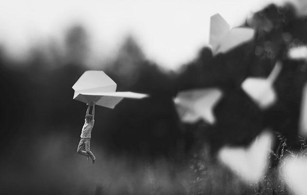 Découvrez les photographies surréalistes de Fiddle Oak, un jeune prodige de la photographie surréaliste