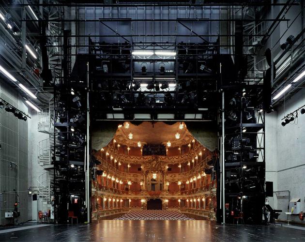 Les coulisses de théâtre comme vous ne les avez jamais vus dans The Fourth Wall la série de photo par Klaus Frahm