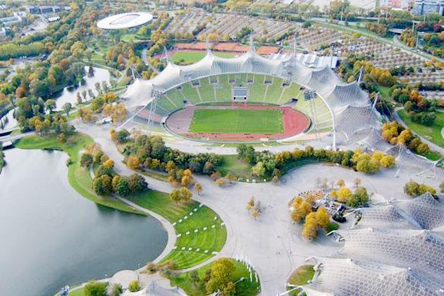 L'originalité du stade de Munich a valu à Gunter Behnisch et Frei Otto le prix Pritzker en 2015